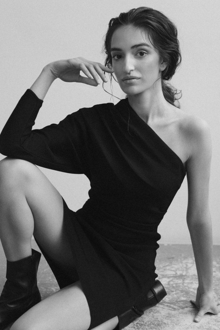 Adrianna Christina - KAYUTY